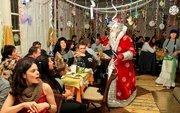 Новый Год с Дедом Морозом и Снегурочкой.